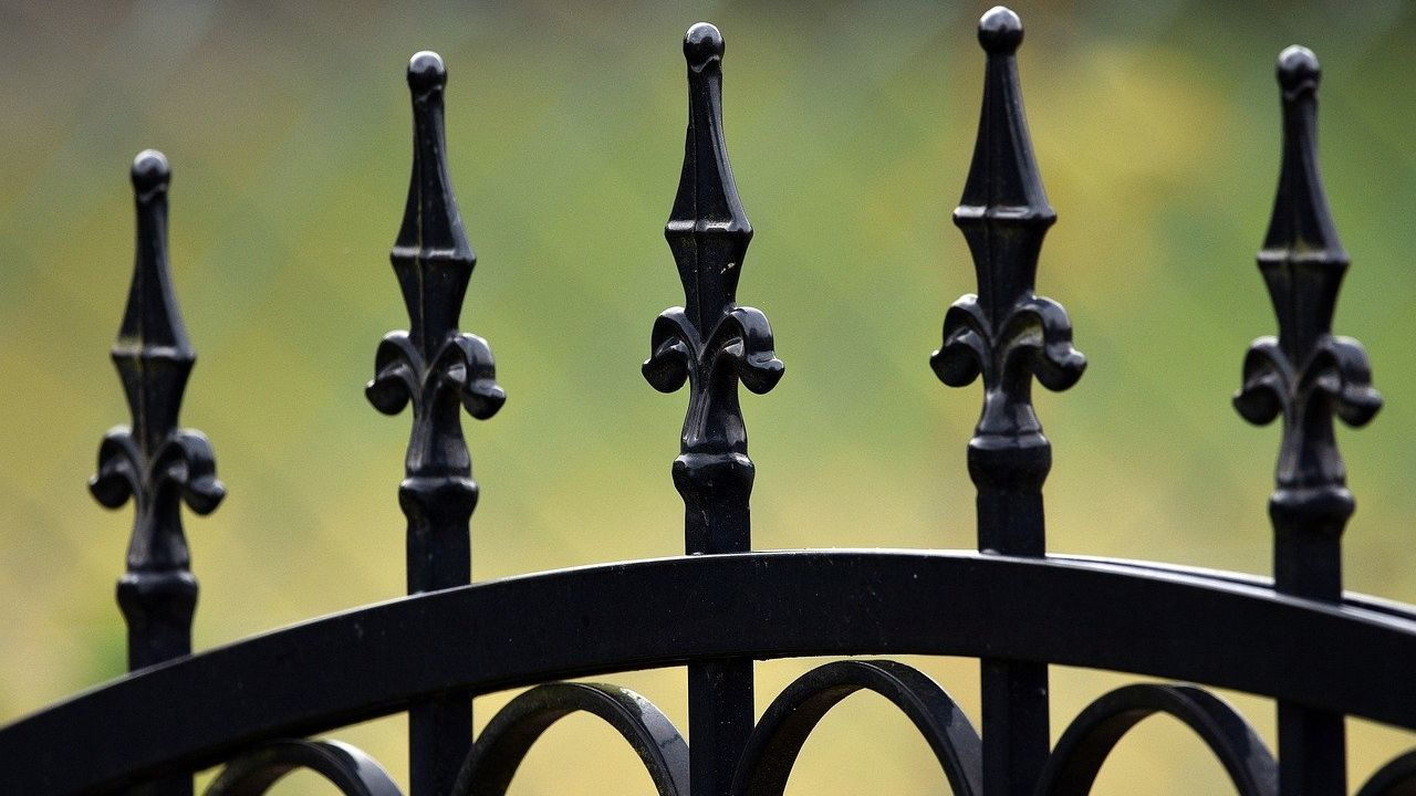 Serbian maker of windows, steel joinery, gates and fences looking for co-financing
