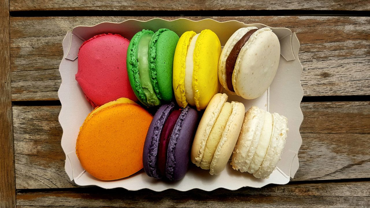 Offering French organic, vegetable and gluten-free frozen desserts to distributors