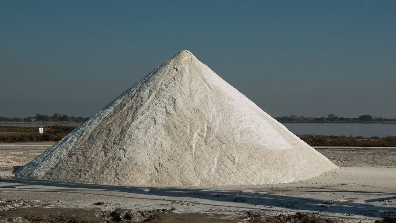 Italian producer of sea salt for domestic and industrial use seeks distributors and agents