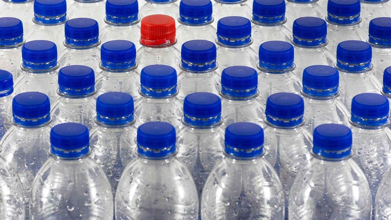 Ukrainian producer of drinking water bottles looking for commercial agency agreement