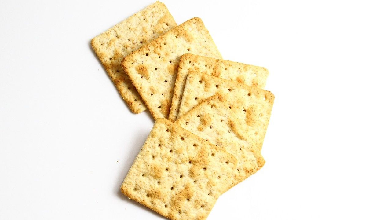 Ukrainian producer of crackers and biscuits looking for foreign distributors