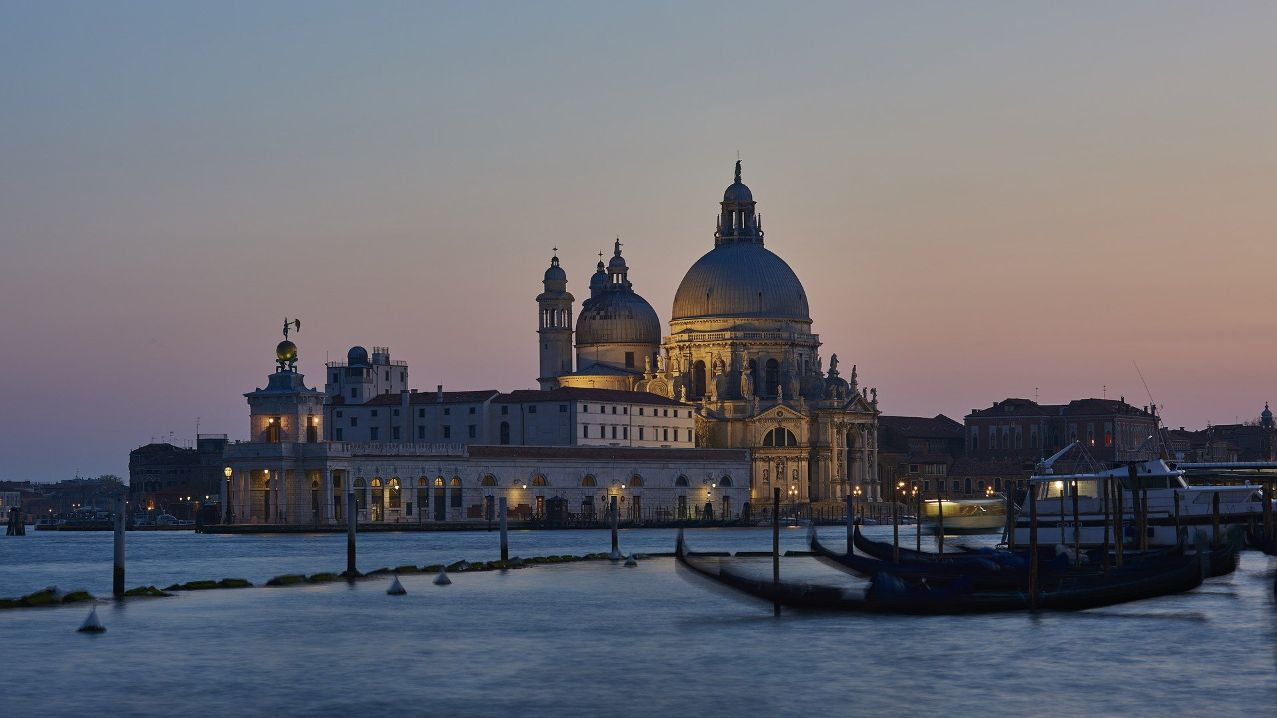Italian luxury travel designer is looking for agents with strong experience in the sector