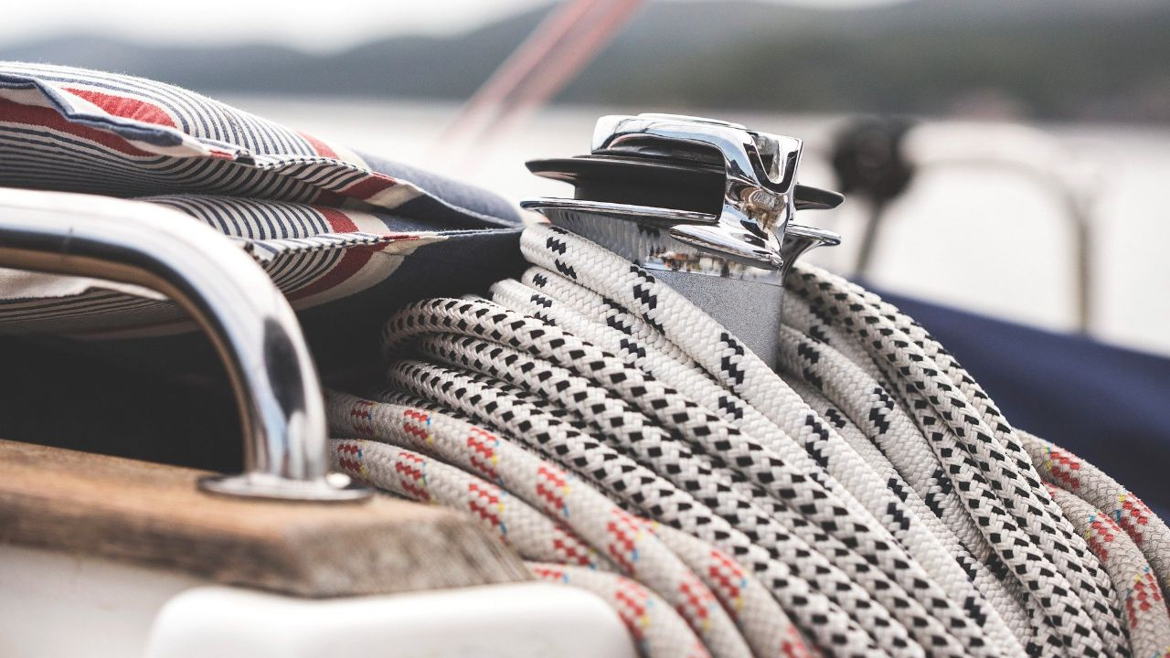 Bulgarian manufacturer of braided ropes is looking for distributors and commercial agents