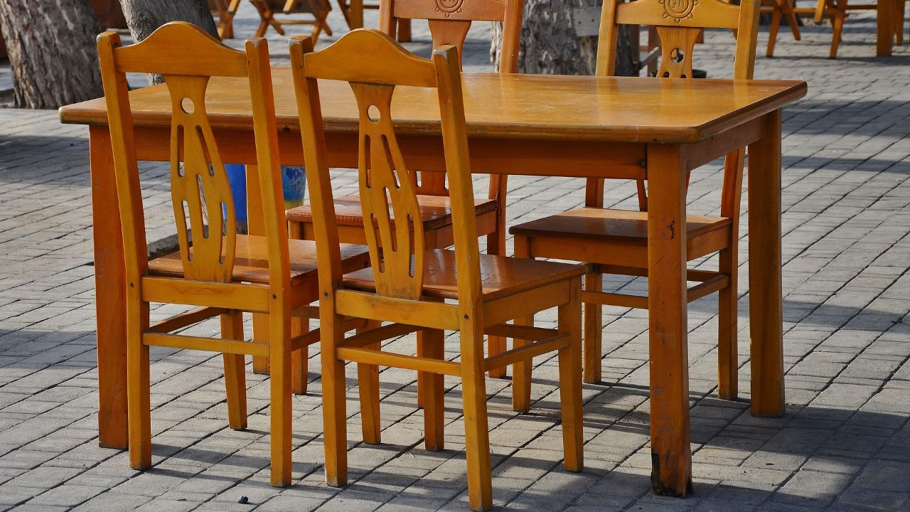 Looking for distributors of sustainable wood furnitures