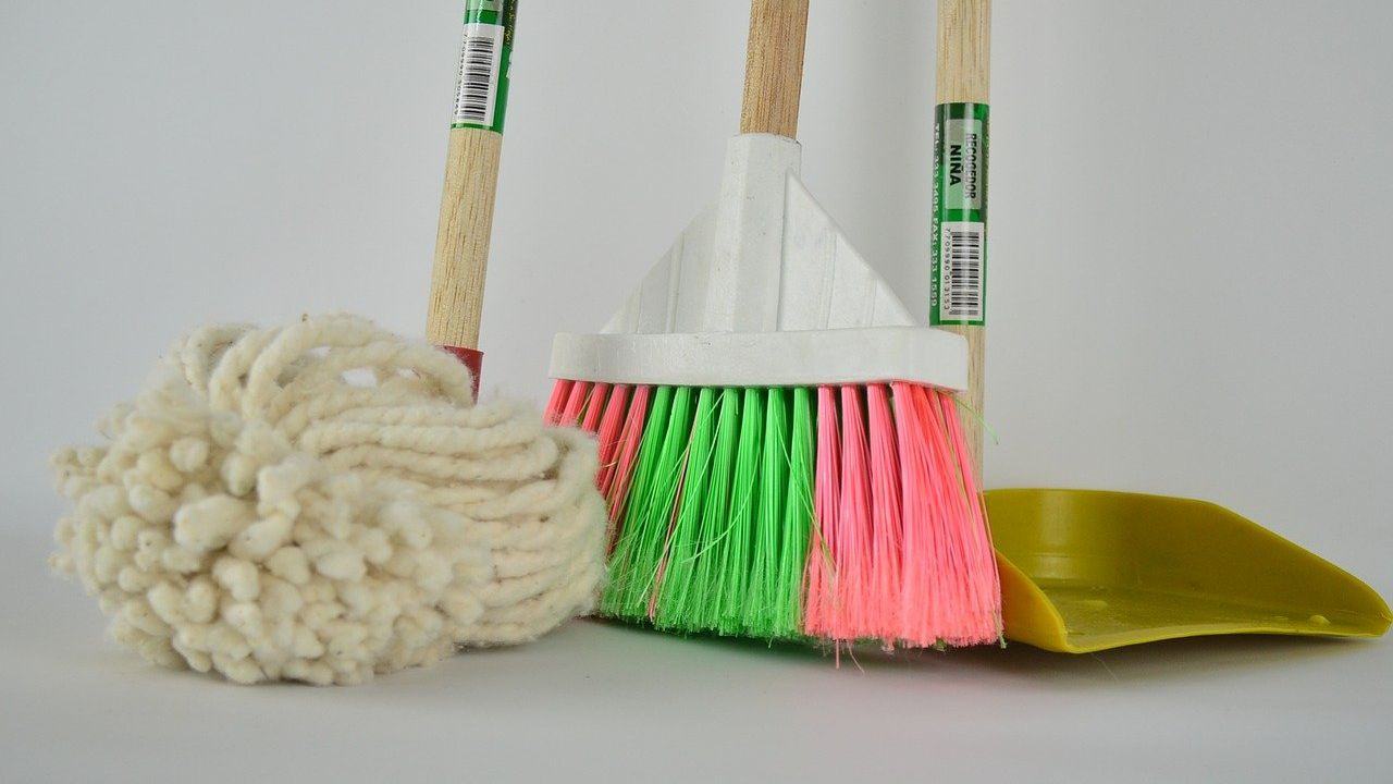 Polish producer of high quality brooms and brushes looking for distributors worldwide