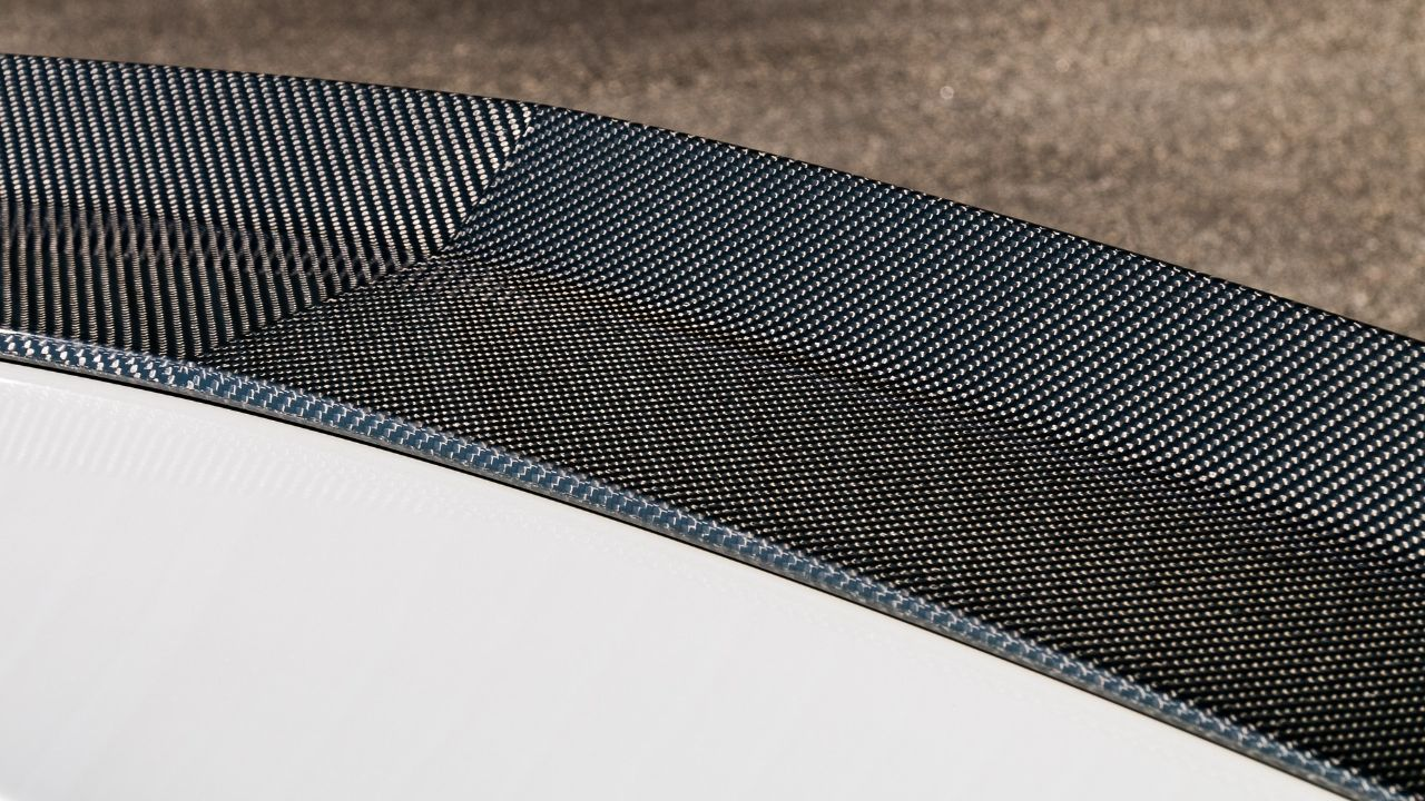 Italian manufacturer of carbon fiber pultruded profiles is seeking agents