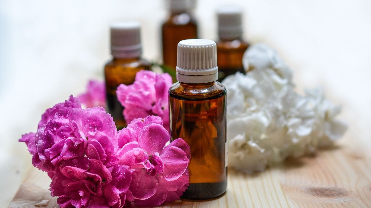 Producer of aromatherapy's products seeks agents and distributors in the EU