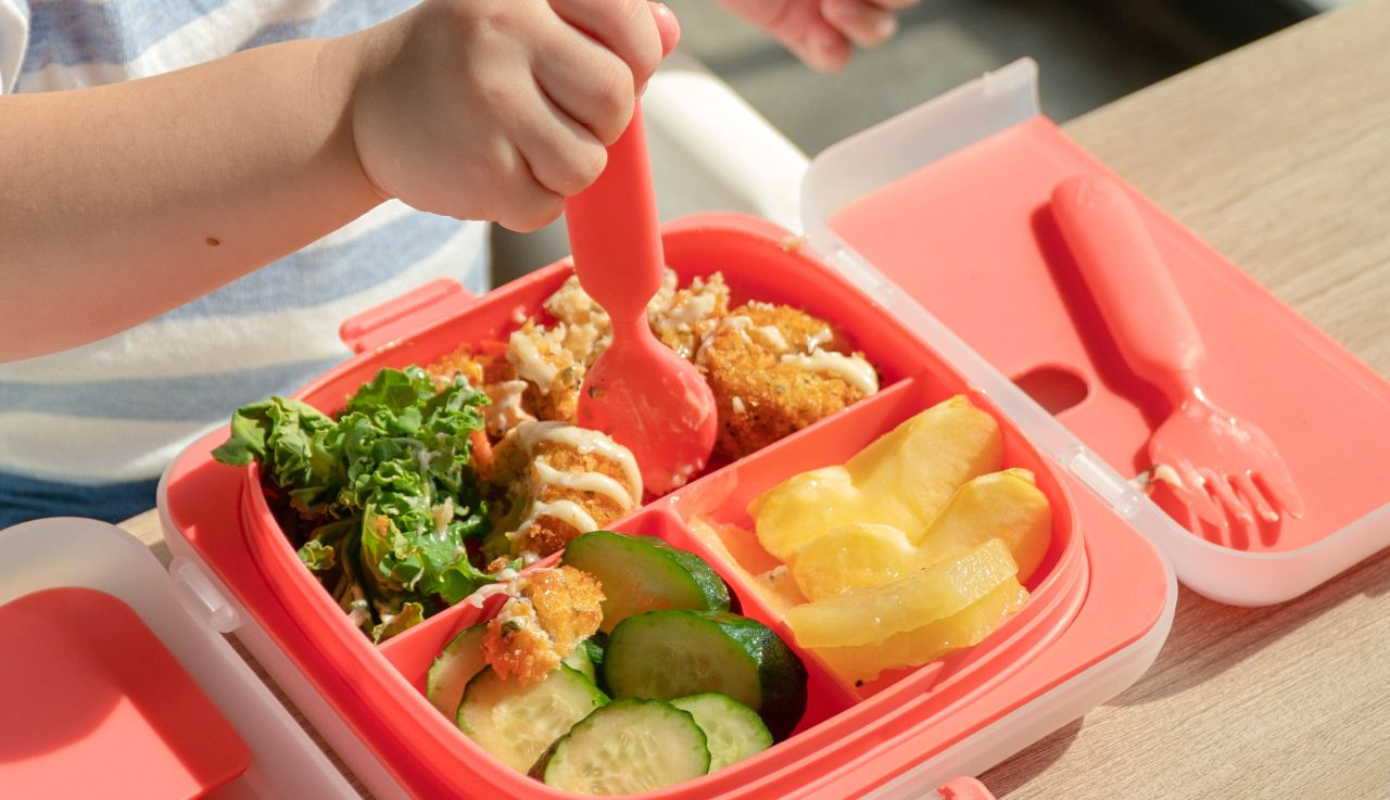 Singaporean maker of all-in-one kids eating tray looking for worldwide distributors