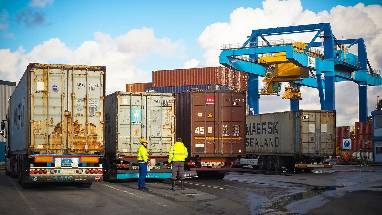 Polish company offers freight forwarding and related services