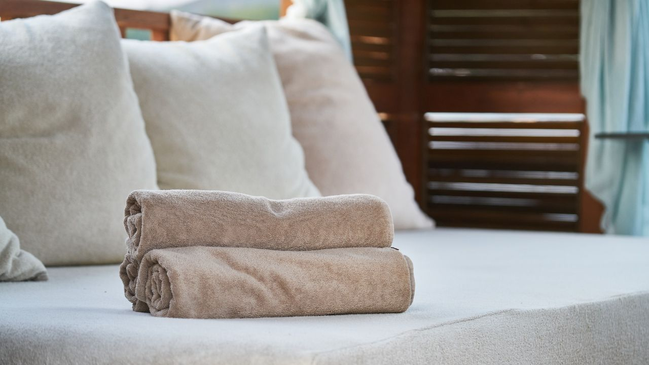 Offering home and textile accessories to foreign distributor