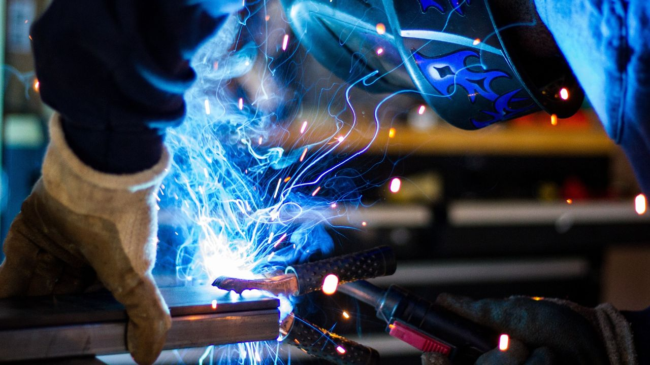 Czech metalworking company offers its services to EU partners