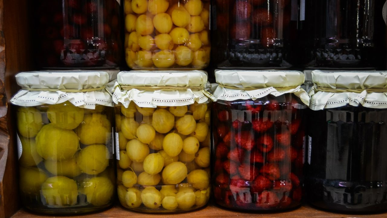 OFFER Italian vegetable and seafood preserves in oil and pickles