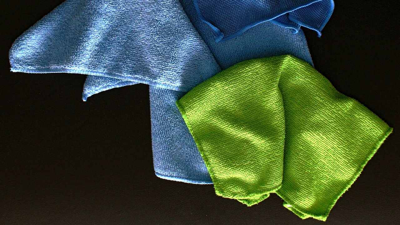 French producer of microfiber textile products and cleaning tools seeks distributors