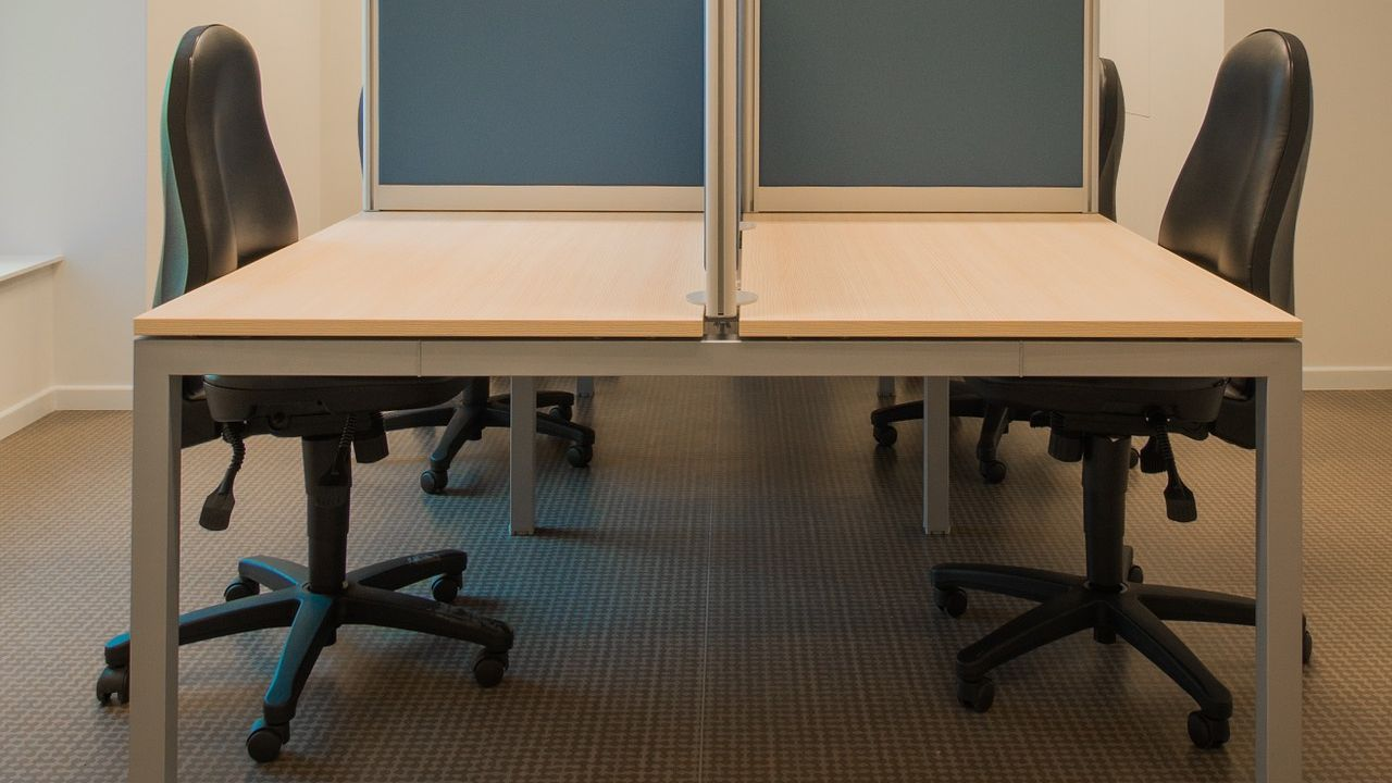 Looking for distributors of office furnitures