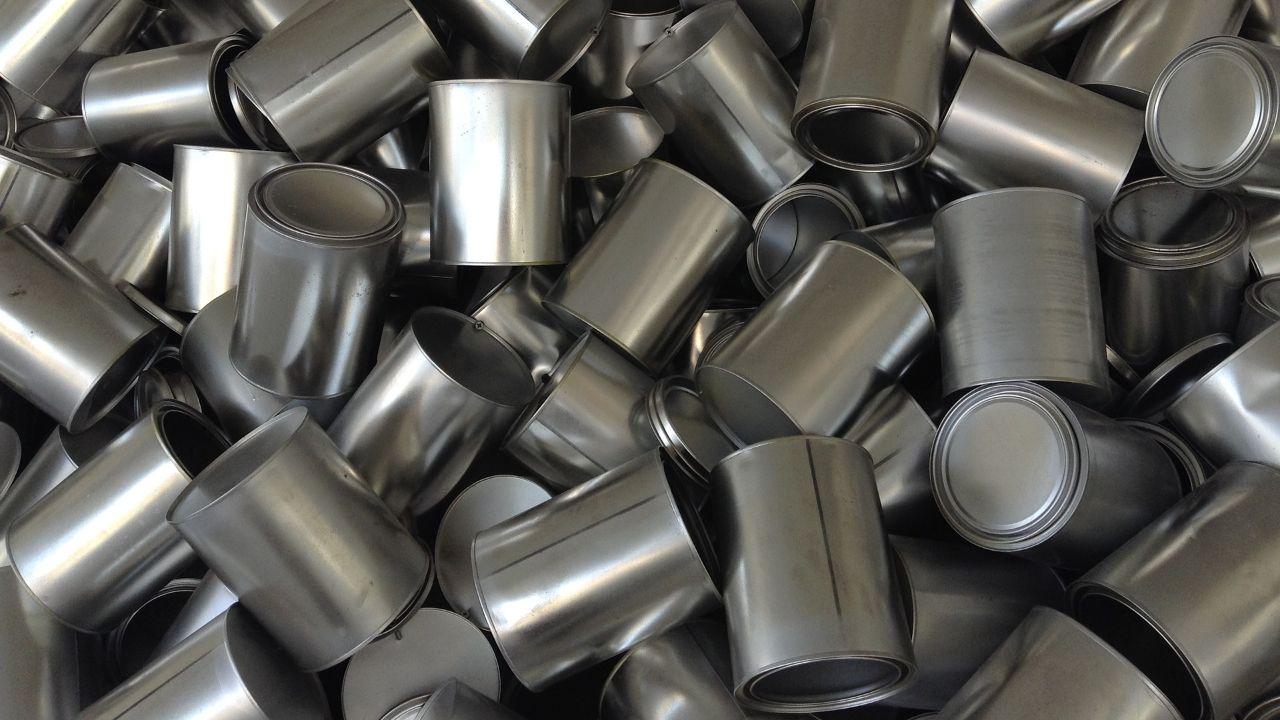 Italian manufacturer of metal packaging looks for subcontractors/distributors