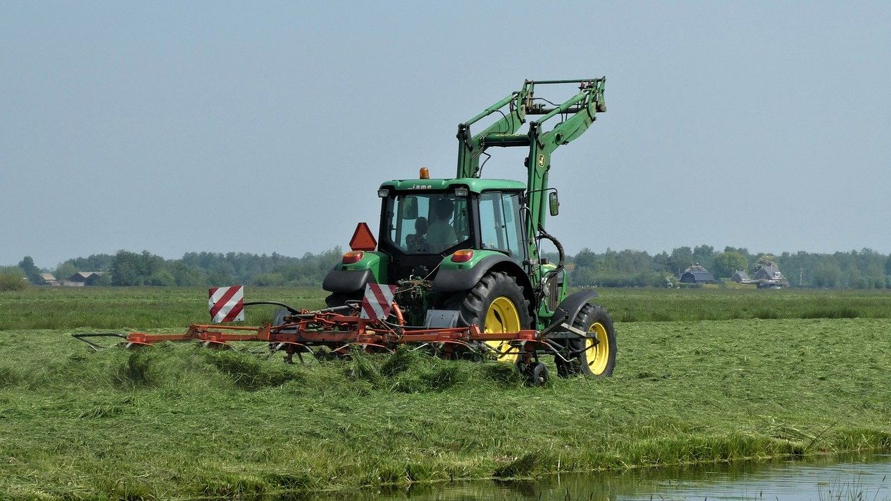 Slovenian agricultural machinery distributor looking for second hand tractors